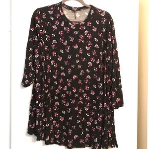 Lane Bryant Black Floral Crewneck Swing Top 18/20